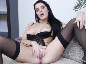 Naked brunettes images, virginie caprice desnuda